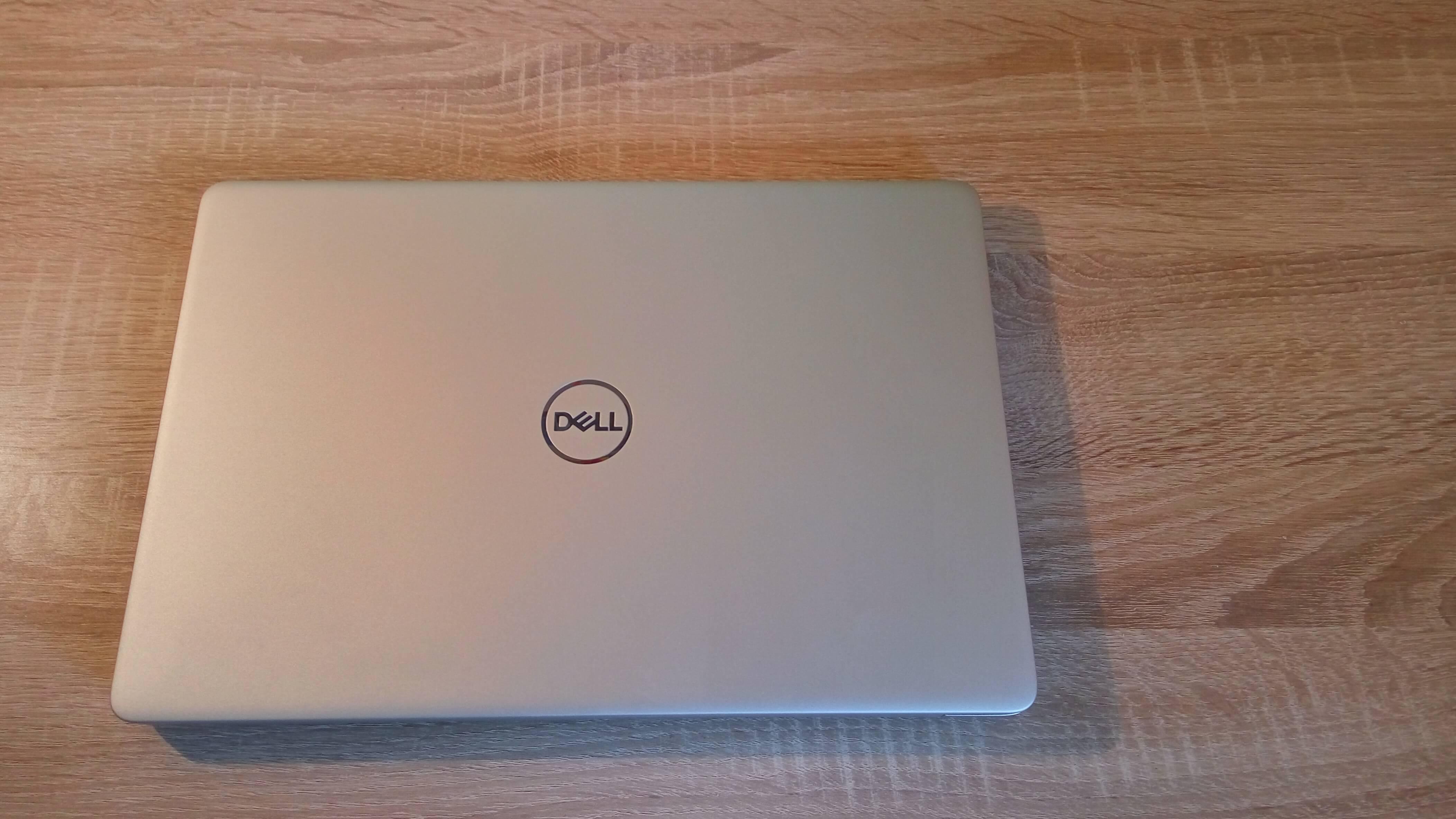 Dell Inspiron 5370 i3-7130U recenzja obudowa